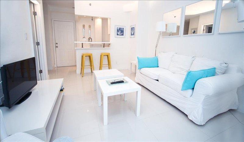Sanctuary Seaside Renovated 1 BR Steps from Ocean, Walk EVERYWHERE! 1TT1Da999 - Image 1 - Miami Beach - rentals