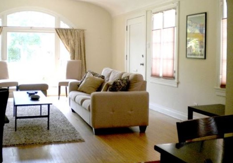SPACIOUS AND COMFORTABLE 2 BEDROOM, 2 BATHROOM SPANISH STYLE DUPLEX - Image 1 - Los Angeles - rentals