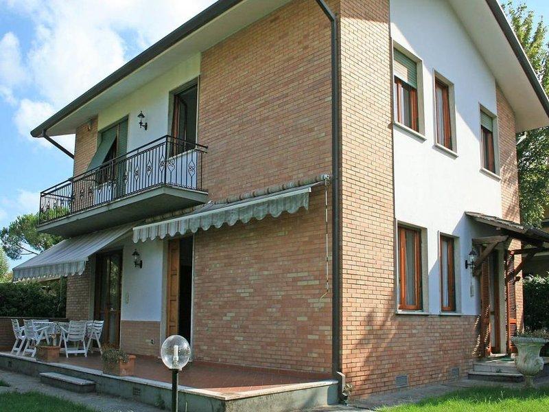5 bedroom Villa in Forte Dei Marmi, Tuscany, Italy : ref 2269612 - Image 1 - Forte Dei Marmi - rentals