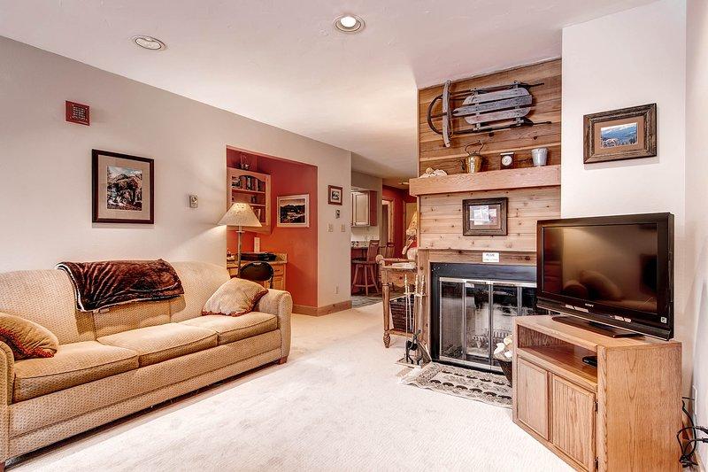 Invitingly Furnished  2 Bedroom  - 1243-117215 - Image 1 - World - rentals