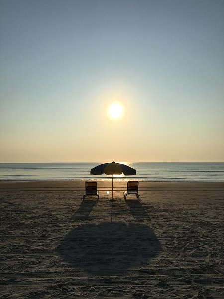 Start  the first day of your beach vacation and all of the rest thereafter right here! - 3BR 2BA DAYTONA BEACH VACATION HOME BY THE OCEAN! - Daytona Beach - rentals