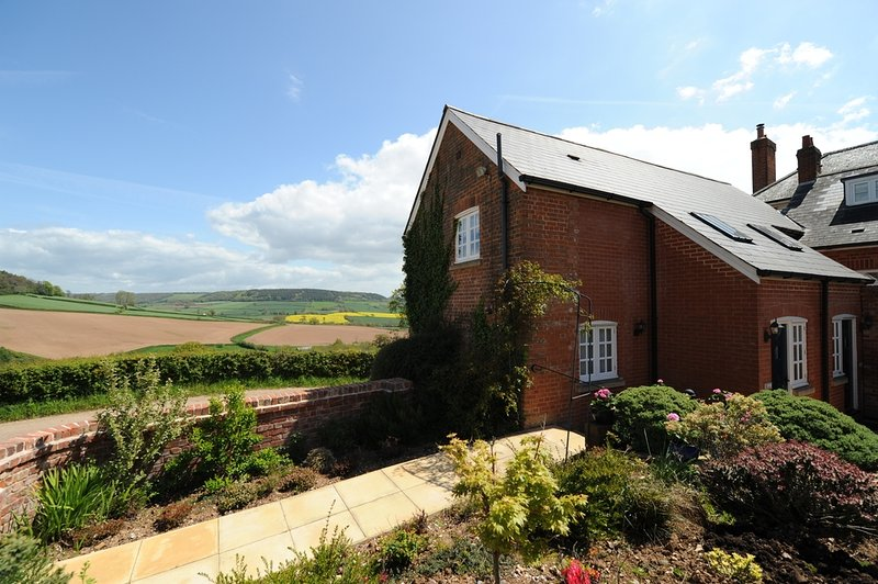 Bell Cottage located in Sidmouth, Devon - Image 1 - Sidmouth - rentals