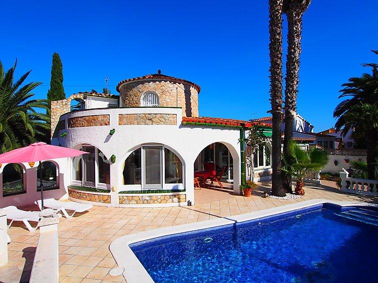 3 bedroom Villa in Empuriabrava, Costa Brava, Spain : ref 2010358 - Image 1 - Empuriabrava - rentals