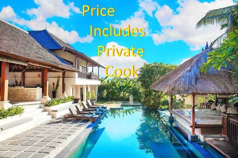 Quiet Location, yet walking distance to great Canggu shopping and restaurants. Cook plus 6 staff. - Villa Prasada Canggu Bali - Luxury for 11 guests - Canggu - rentals