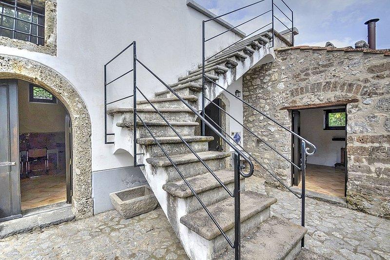 Villa dei Faggi - Image 1 - Calvanico - rentals