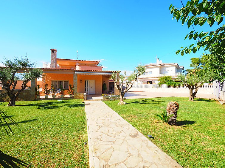 4 bedroom Villa in Empuriabrava, Costa Brava, Spain : ref 2010357 - Image 1 - Empuriabrava - rentals