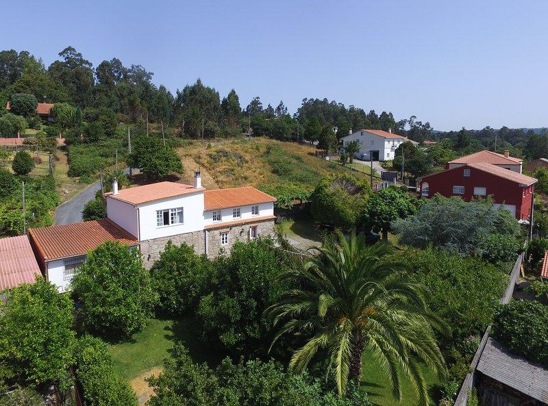 Huge comfortable holiday house in a peaceful setting near Santiago - Image 1 - Santiago de Compostela - rentals