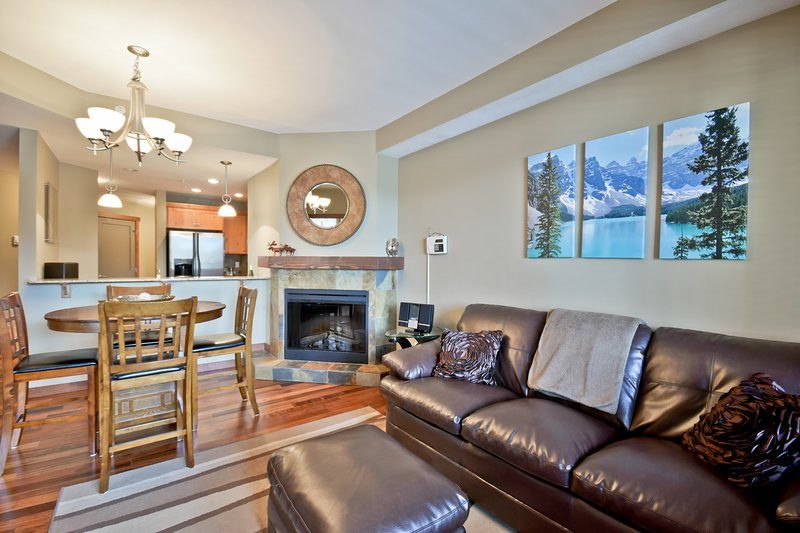 Award-winning 2-bedroom vacation rental - your mountain oasis! - Award-winning Canmore 2-bedroom, superb location! - Canmore - rentals