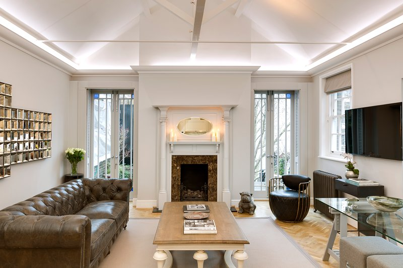 4 Bedroom Penthouse apartment with Private terrace - Image 1 - London - rentals