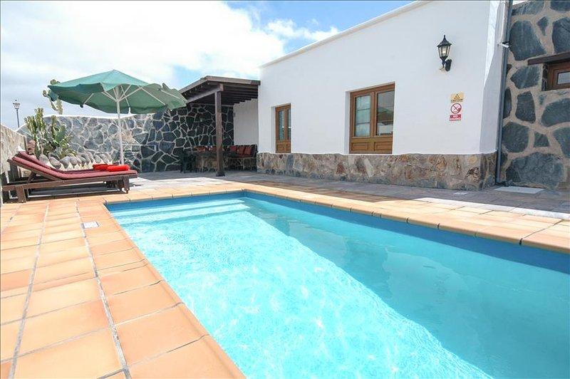 Villa LVC248186 - Image 1 - Playa Blanca - rentals