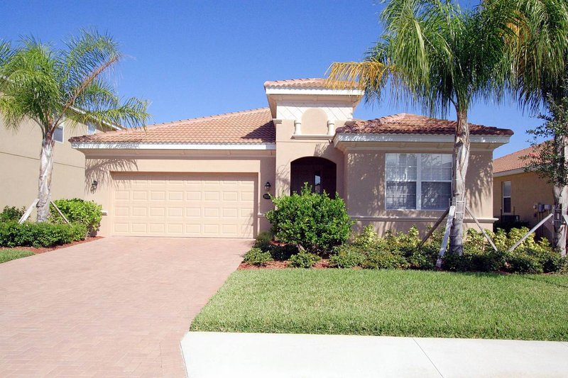 Front of Home - Luxuriously Furnished Executive Villa with Privacy - Bradenton - rentals