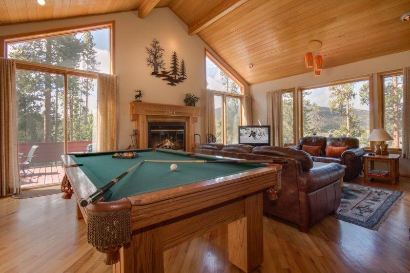 Iris Home - Fabulous mountain and golf course views, spacious home! - Image 1 - Keystone - rentals