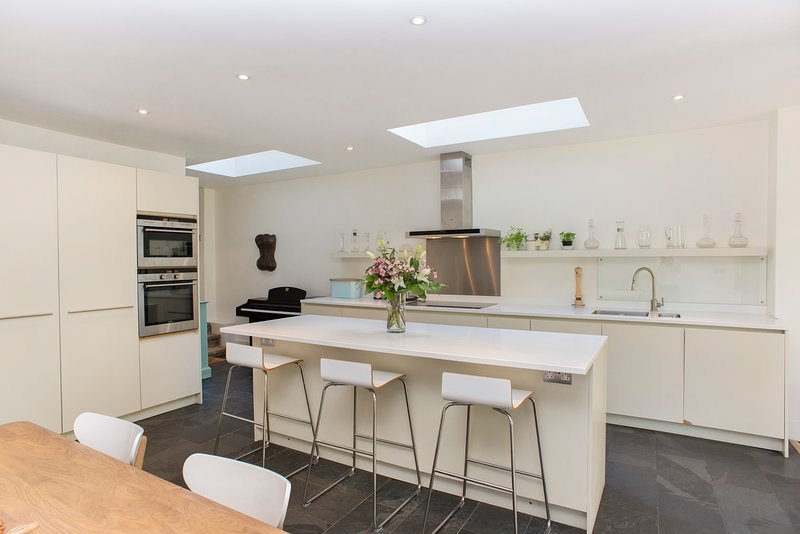 Beautiful 4 Bed Home in upmarket Fulham - Image 1 - London - rentals