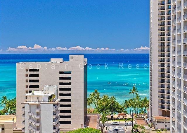 Great Ocean View, central A/C, 5 min. walk to beach!  Sleeps 4. - Image 1 - Waikiki - rentals