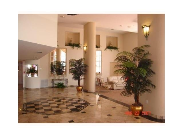 Beach front large 1 bed - 1.5 bath - Image 1 - Sunny Isles Beach - rentals