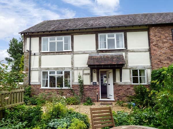 FERN COTTAGE, end-terrace cottage, off road parking, rear garden, Ludlow, Ref 933905 - Image 1 - Ludlow - rentals