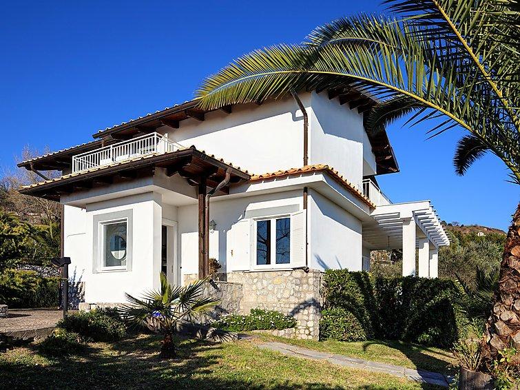 4 bedroom Villa in Massa Lubrense, Sorrento, Naples & Sorrentino Peninsula - Image 1 - Sant'Agata sui Due Golfi - rentals