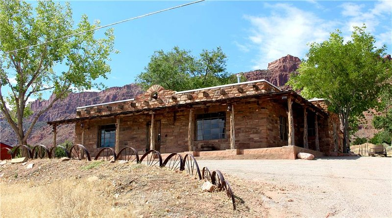 Trading Post Guest House - Image 1 - Moab - rentals