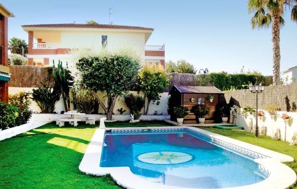 7 bedroom Villa in Cunit, Catalonia, Costa Dorada, Spain : ref 2090731 - Image 1 - Cunit - rentals