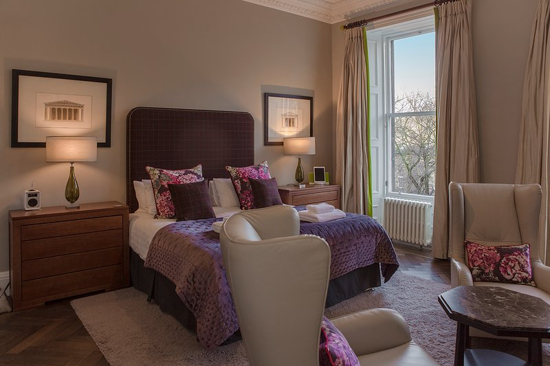 Castle View Apartment at Castle Terrace - The Edinburgh Address - Image 1 - Edinburgh - rentals