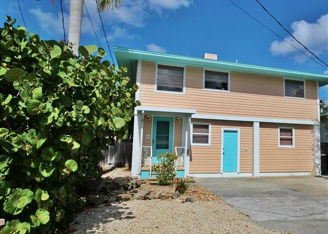135 Mango Street - Image 1 - Fort Myers Beach - rentals