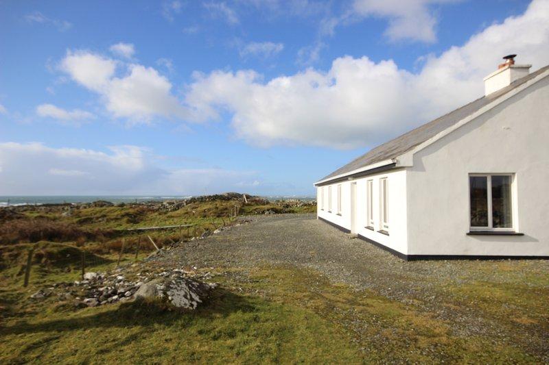 Dolan Cottage - Image 1 - Roundstone - rentals