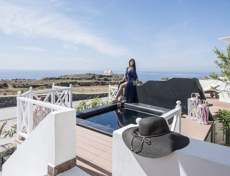 "Enjoy a unique accommodation and a really relaxation. - ""OIA SUNSET VILLAS"" villaTURQUOISE Spa & Pool - Oia - rentals"