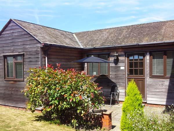 COLT LODGE, ground floor annexe, off road parking, enclosed garden, in Watchet, Ref 943116 - Image 1 - Watchet - rentals