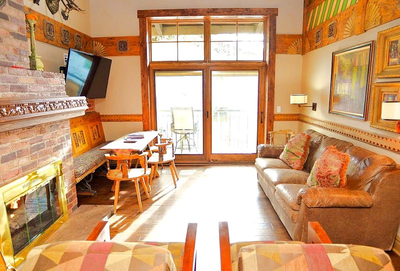 European Hearth Room - Stunning Swiss Ski Chalet...Heart of Vail Village. - Vail - rentals