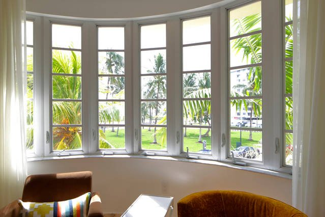 View from the living room - 3 bedm steps from Ocean in South beach- sleeps 8 - Miami Beach - rentals