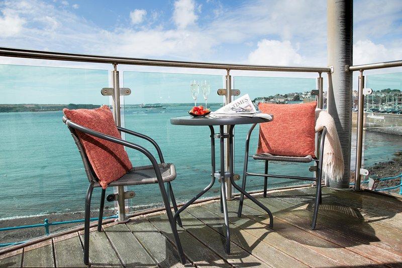 Sea Front Marina Apartment on Pembrokeshire Coast - Image 1 - Milford Haven - rentals