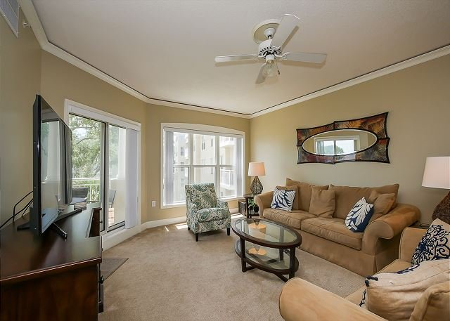 Living Area - 6304 Hampton Place- Oceanfront Views and Pool.  Book NOW for Fall. - Bluffton - rentals