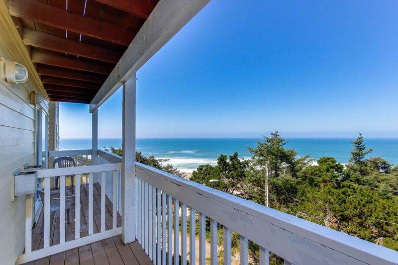 Dog-friendly studio w/ ocean views  - close to beach access! - Image 1 - Lincoln City - rentals