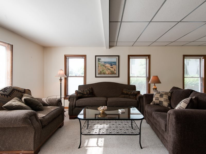 On The Parkway. Prime Location. Very Close to South Beach and Kids Corner. - Image 1 - South Haven - rentals