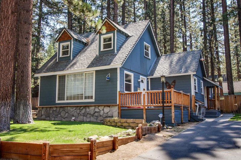 Dog-friendly with a separate cottage & private hot tub! Perfect location! - Image 1 - South Lake Tahoe - rentals
