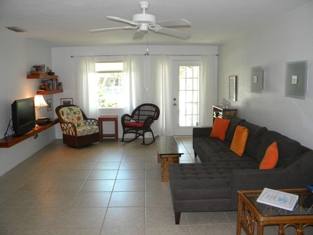 Sanibel Shores #D - Enjoy the Island like a local with Style & Comfort - Image 1 - Sanibel Island - rentals