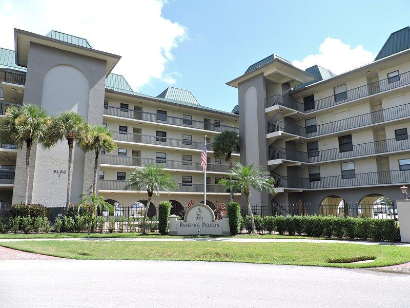 Welcome to the Barefoot Pelican Condominium in Vanderbilt Beach, Naples, Florida - ** Now Booking Spring & Summer 2017 ** - Naples - rentals