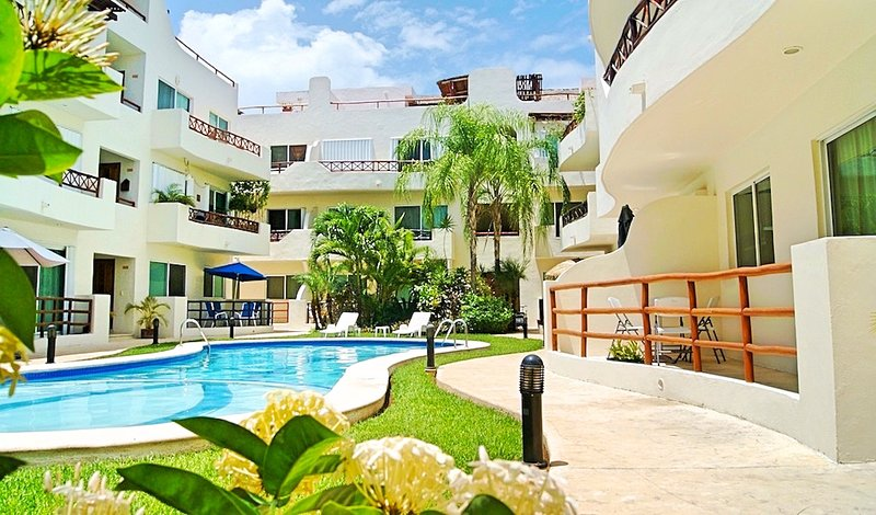 Your first view of the Margaritas II lush courtyard. - .....Dreamy Condo..... - Playa del Carmen - rentals