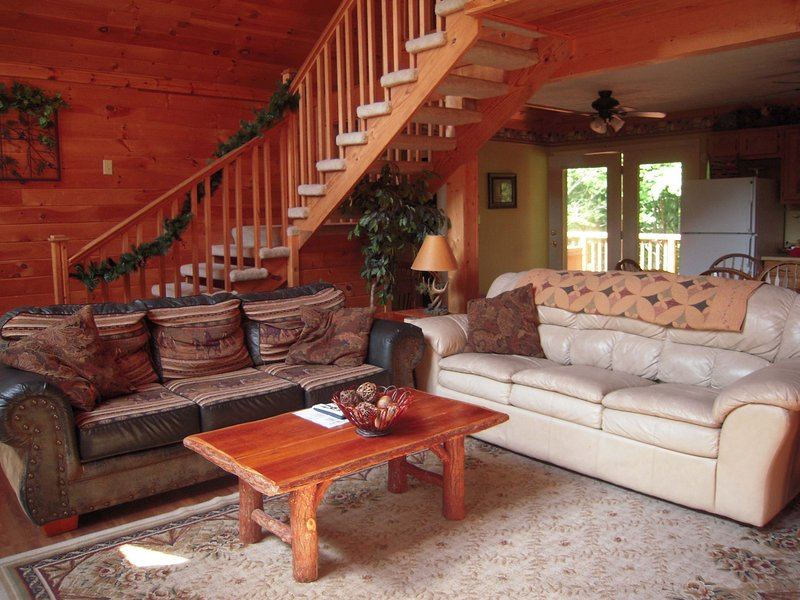"""2 couches in great room for your stay - Luxury Cabin """"Emerald Ridge"""" with free Wi-Fi - Pigeon Forge - rentals"""
