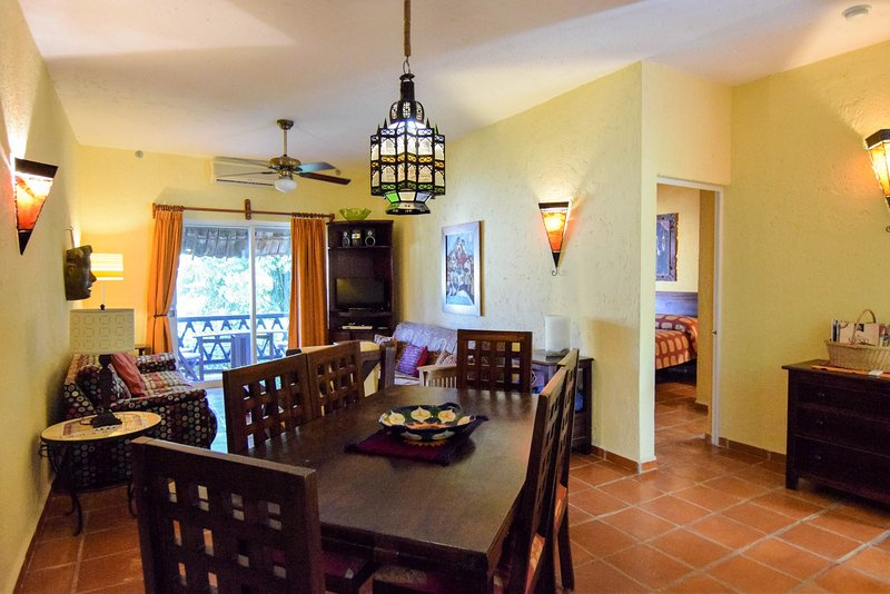 Living and dining room - LAS FLORES GIRASOL - secure parking space included - Playa del Carmen - rentals