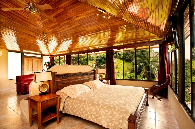 Penthouse Deluxe with Ocean View - Image 1 - Quepos - rentals