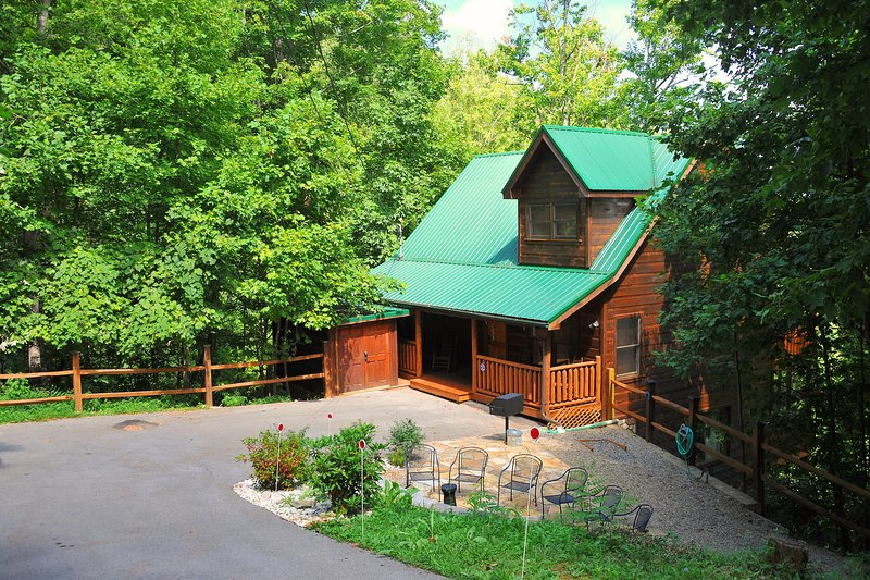 "Welcome to Brigadoon IV - 'a Touch of Magic in the Smokies' - Brigadoon IV-Awesome Theater Room(78""TV), Game Room, Hot Tub, Patio w/chiminea!! - Gatlinburg - rentals"