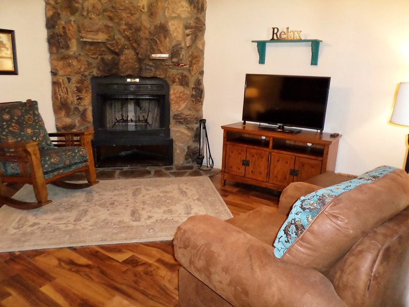 Valley Condos #117 - WiFi, Fireplace-Wood, Community Hot Tubs, Playground, Creek - Image 1 - Red River - rentals