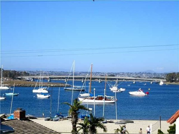 View of Bay - 815 Aspin Court - San Diego - rentals