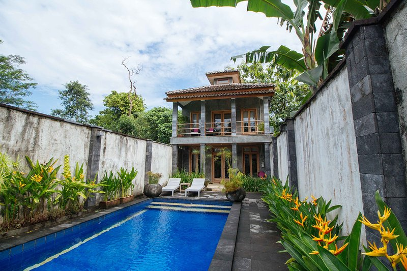 ::apriliasVilla:: - apriliasVILLA - Yogyakarta - rentals
