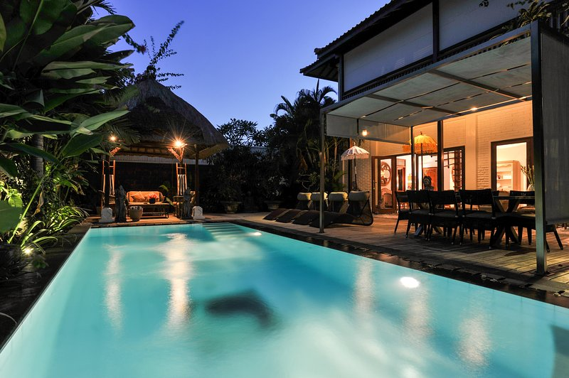 Welcome to Villa de Siam! - Superb 5bd Villa with pool - Walk to beach & cafes - Sanur - rentals