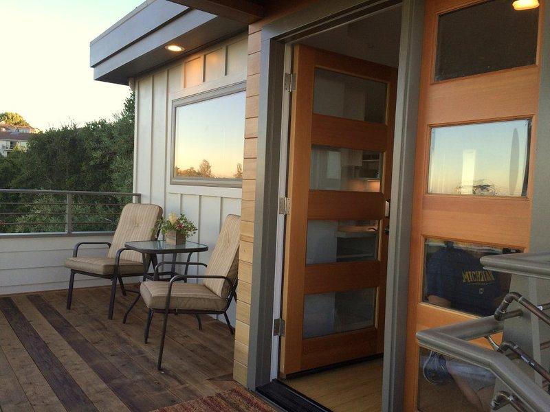 Furnished 2-Bedroom Home at Hillcrest Way & Glenloch Way Emerald Hills - Image 1 - Redwood City - rentals