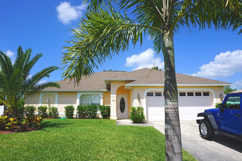 Villa Mango Garden, large heated pool! - Image 1 - Cape Coral - rentals