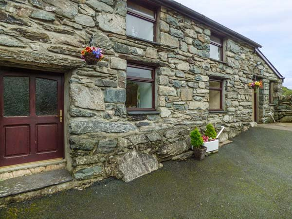 Y BWTHYN, pet friendly, WiFi, character holiday cottage, with a garden in Llanbedr, Ref 5228 - Image 1 - Llanbedr - rentals