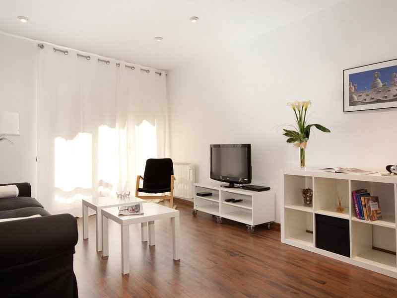 Charming apartment fully equipped - Image 1 - Barcelona - rentals